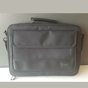 "Targus Laptop Case Fits 15"" Over Shoulder Strap"